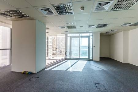 Office for Sale in Jumeirah Lake Towers (JLT), Dubai - Fitted partitioned office | Indigo Tower