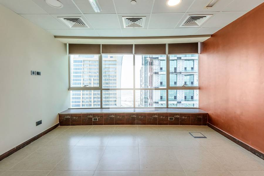 2 Fitted office for sale in Fortune Tower