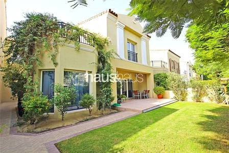 4 Bedroom Villa for Rent in Motor City, Dubai - Exclusive | Next to Pool | Available Nov