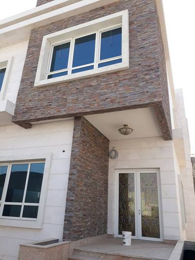 Hurry up!!!!Deluxe brand new villa for rent in Al Hoshi Area with a perfect price.