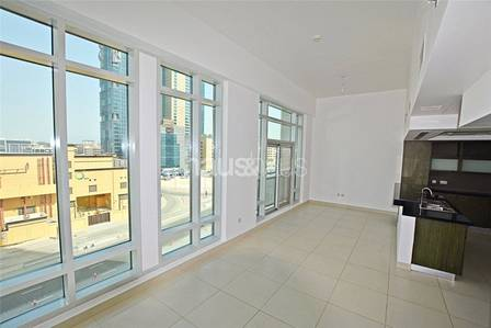 Podium 1 Bed   Naturally  Bright   Avail