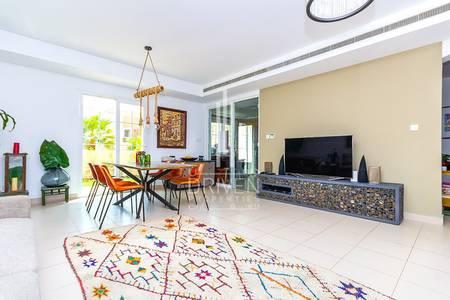 4 Bedroom Villa for Sale in Arabian Ranches, Dubai - EXCLUSIVE VILLA NEXT TO A COMMUNITY POOL