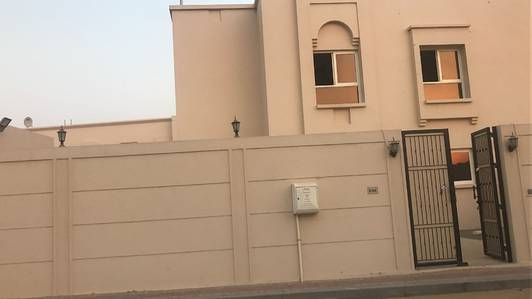 5 Bedroom Villa for Rent in Barashi, Sharjah - Hurry up!!5BHK villa for rent in Barashi area, with a very nice location.