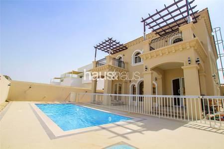 4 Bedroom Villa for Rent in Jumeirah Park, Dubai - Custom 4 Bed w/Pool   Available November