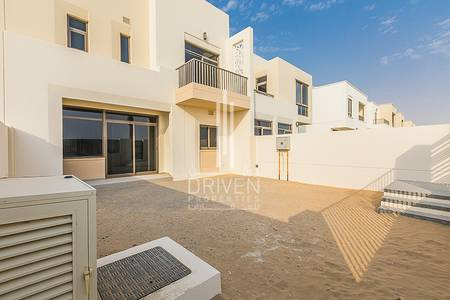 3 Bedroom Townhouse for Rent in Town Square, Dubai - Bright and Large 3 BR Townhouse for Rent