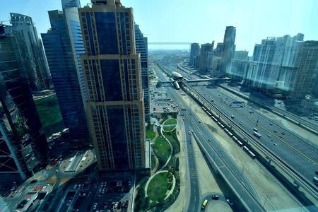 Floor for Sale in Jumeirah Lake Towers (JLT), Dubai - Great location for high floor office Reef