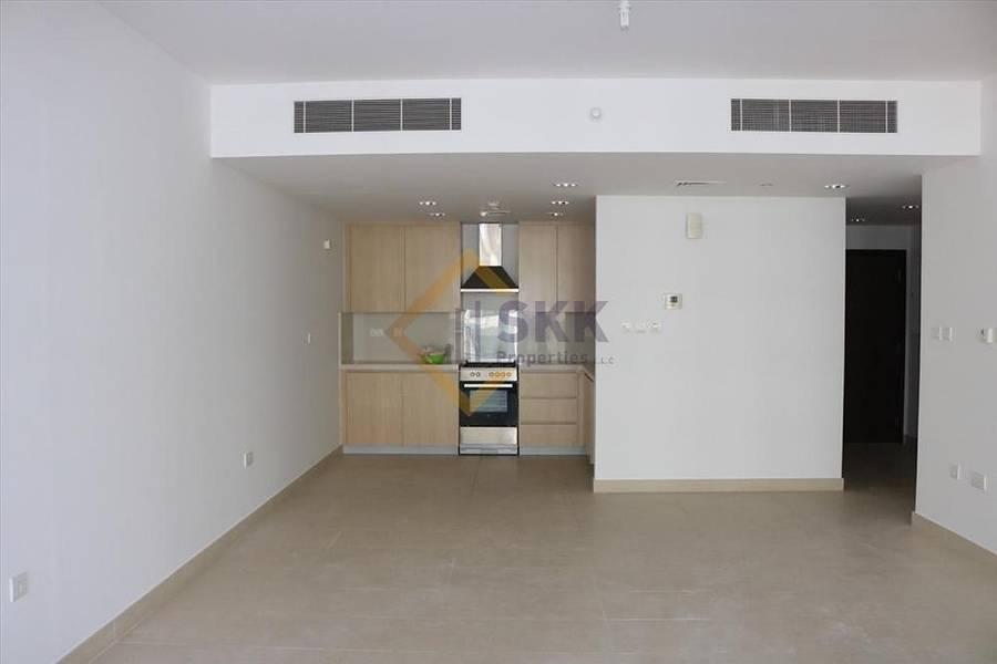 2 2Br Apt with Balcony|Kitchen Appliances
