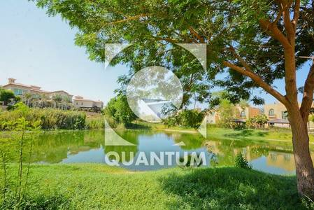 4 Bedroom Villa for Rent in Jumeirah Islands, Dubai - Upgraded| Open-Plan| Bright|Lake Views