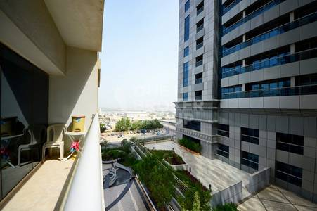 2 Bedroom Apartment for Sale in Dubai Marina, Dubai -  large 2+m with partial sea view.
