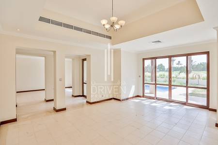 4 Bedroom Villa for Rent in Al Garhoud, Dubai - Golf View 4BR Villa | 2 Months Free Stay
