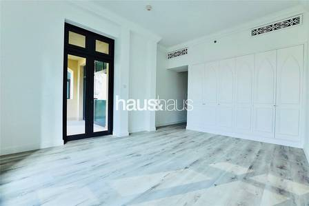 3 Bedroom Flat for Sale in Old Town, Dubai - 3 Bed | Maids Room | 2 Parking | Vacant
