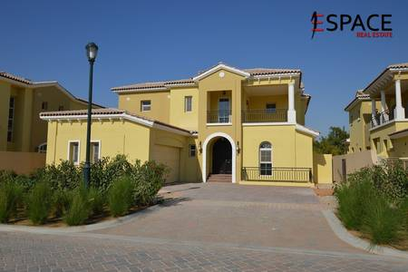 4 Bedroom Villa for Sale in Jumeirah Golf Estate, Dubai - Bright and Well Maintained Villa Full Golf Course View