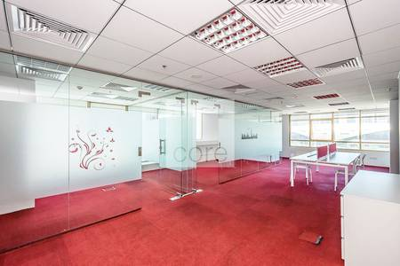 Office for Sale in Jumeirah Lake Towers (JLT), Dubai - Fully fitted furnished office I Mid Floor