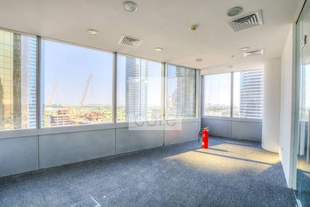 Office for Rent in Jumeirah Lake Towers (JLT), Dubai - Fitted and Partitioned | Low Floor | DMCC