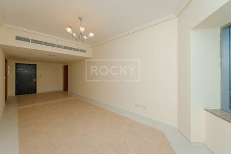 2 Bedroom Flat for Rent in Sheikh Zayed Road, Dubai - 2 Bed Side Unit with Sea View in 21st Century SZR