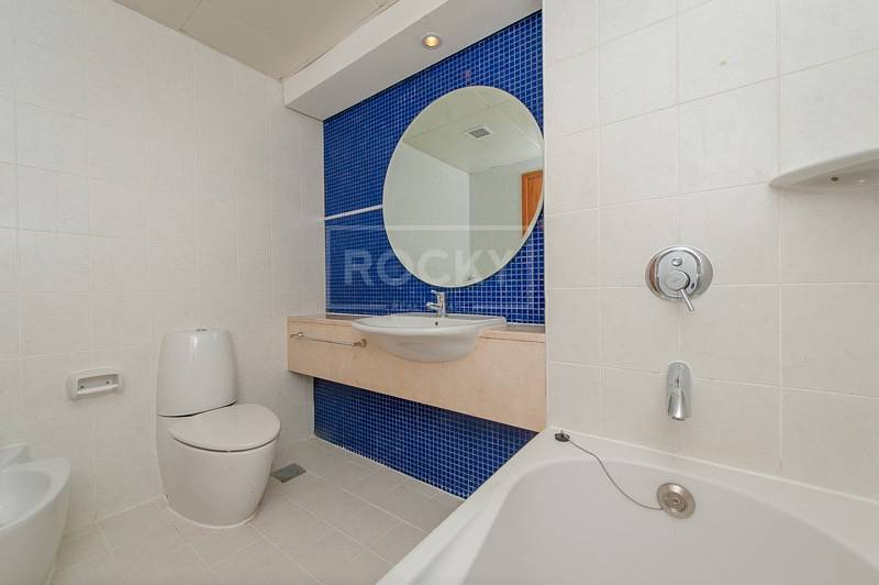 10 2 Bed Middle Unit with Sea View in 21st Century SZR