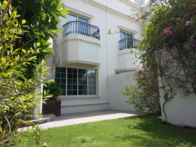 4 Bedroom Villa for Rent in Al Safa, Dubai - Warm, Nice & Excellent 4 bedroom spacious study villa with private pool,  garden & covered parking