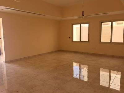 فیلا  للايجار في براشي، الشارقة - فیلا في براشي 4 غرف 85000 درهم - 3548140