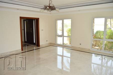 4 Bedroom Villa for Rent in The Meadows, Dubai - Upgraded white goods included - 3 Bed