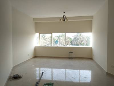 2 Bedroom Flat for Rent in Al Safa, Dubai - SPACIOUS 2 BED APARTMENT ON THE MAIN SHEIKH ZAYED ROAD