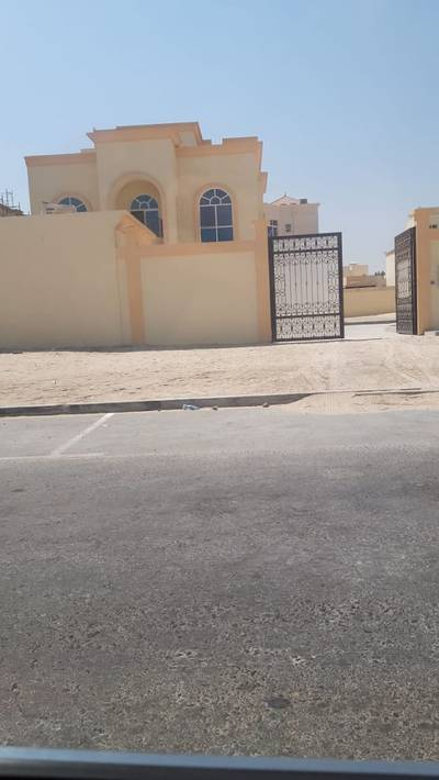 1 Bedroom Apartment for Rent in Khalifa City A, Abu Dhabi - Very nice(1) bedroom hall in khalifa A-Brand New- for rent-good space-