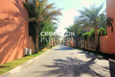 5 Bedroom Villa for Rent in Abu Dhabi Gate City (Officers City), Abu Dhabi - Superb Nice Leafy  Five  Bed Pool  Villa