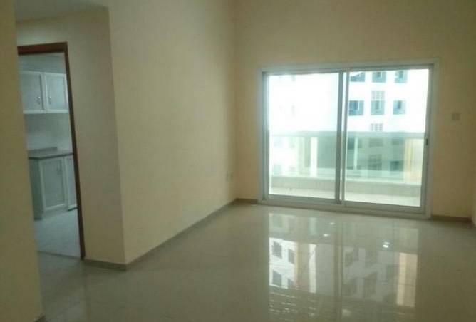 غرفة نوم واحدة مع مطبخ مغلق للبيع في عجمان AJMAN PEARL 250000 فقط