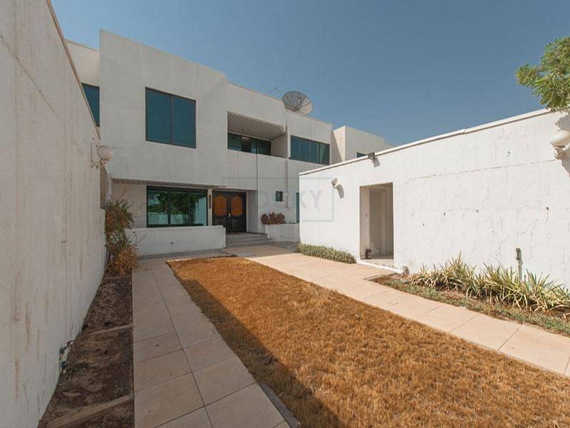 26 4 Bed | Semi- Independent | Private Garden| Covered Parking |  Garhoud