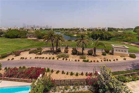 3 Bedroom Villa for Rent in Emirates Hills, Dubai - A rare opportunity to rent a beautiful 3 bedroom maisonette