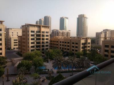 3 Bedroom Flat for Rent in The Greens, Dubai - Spacious 3B/R+study With Pool View And 2 Parking