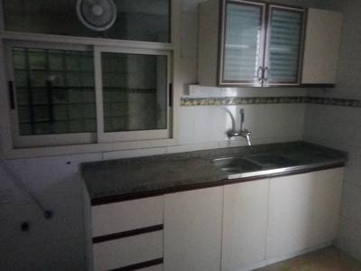 2 b h k with 2 washroom central ac with balcony rent 27 k
