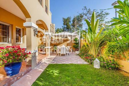 3 Bedroom Villa for Rent in Al Sufouh, Dubai - 3 Bedroom renovated Villa close to the sea and tram for rent