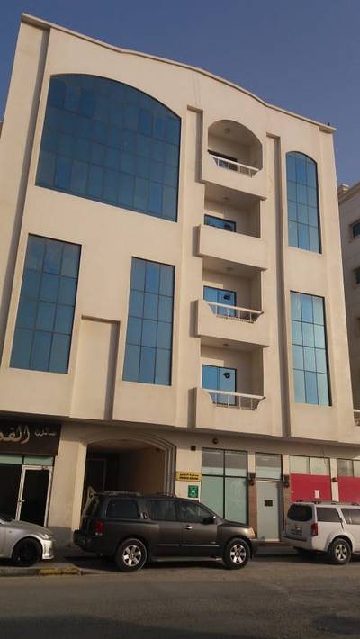 2 Bedroom Flat for Rent in Al Qulayaah, Sharjah - 2 Bedroom Apartment for Rent in Al Qulaya, Sharjah.