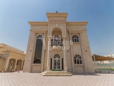 5 Bedroom Villa for Rent in Muhaisnah, Dubai - 5 BR+M  2 Kitchen   Garden   Private pool