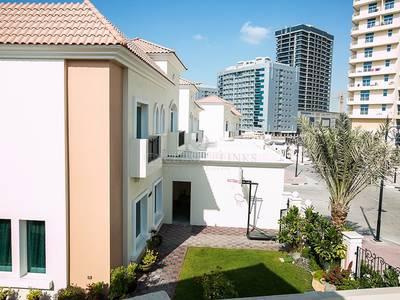 5 Bedroom Villa for Rent in Dubai Sports City, Dubai - Golf course view 5 bedroom Villa at Prime