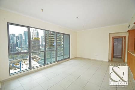 Vacant | 1 Bed With Swimming Pool Views