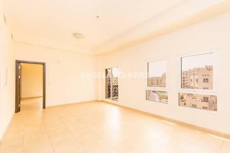1 Bedroom Apartment for Rent in Remraam, Dubai - Bright! | Closed Kitchen | Close to Park