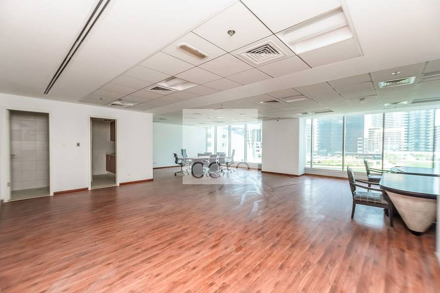 Fitted Office I Low Floor I Freezone Lic