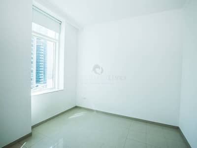 1 Bedroom Apartment for Sale in Dubai Marina, Dubai - Bright and Airy 1 Bed with Marina Views