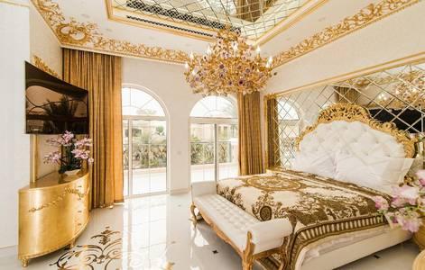 5 Bedroom Villa for Sale in Palm Jumeirah, Dubai - Ultra luxury 5 BR Villa in The Palm Jumeirah for Sale
