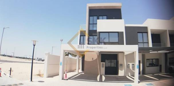 5+M villa|Driver room|Big terrace|Garden