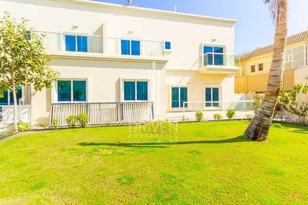 فیلا 4 غرف نوم للايجار في جميرا، دبي - Premium Finishes | Prime Location | Pooll