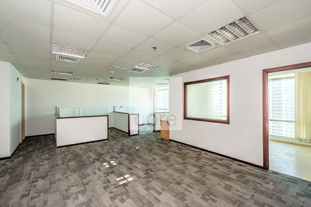Office for Rent in Jumeirah Lake Towers (JLT), Dubai - Fitted Office | Mid Floor | JLT Views