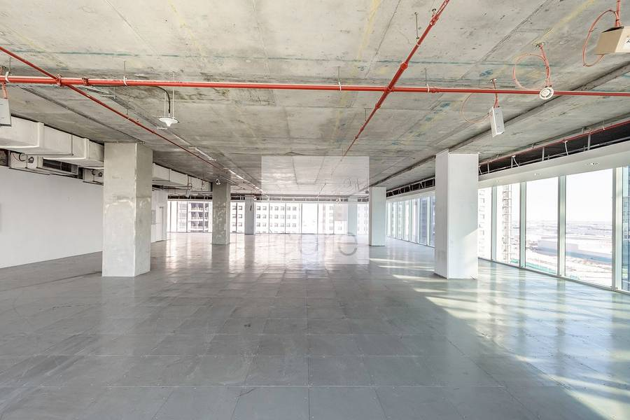 2 High floor office vacant in The Galleries