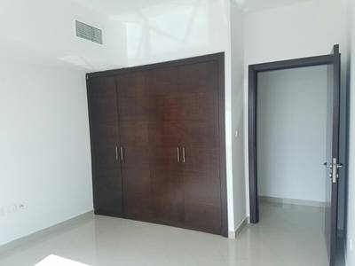 Studio for Rent in Danet Abu Dhabi, Abu Dhabi - For rent apartment 2 master bedrooms  lounge  working room house  parken  swimming pool and gym