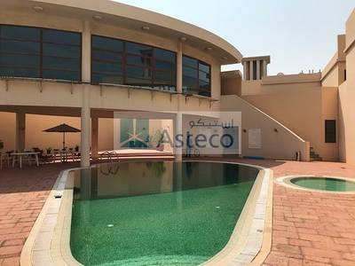 4 Bedroom Villa for Rent in Jumeirah, Dubai - Beautiful 4 Bed + M - private courtyard