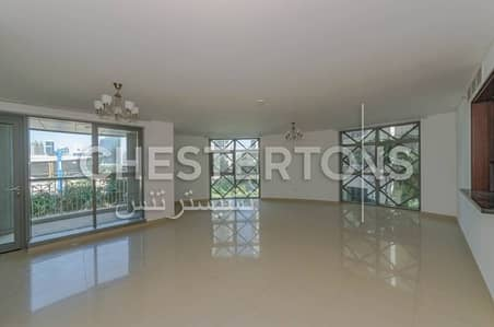 Chic & Spacious Apartment with Opera Views