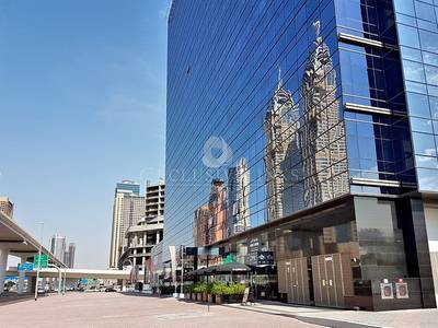 Office for Rent in The Greens, Dubai - Large Partitioned Office For Rent on SZR