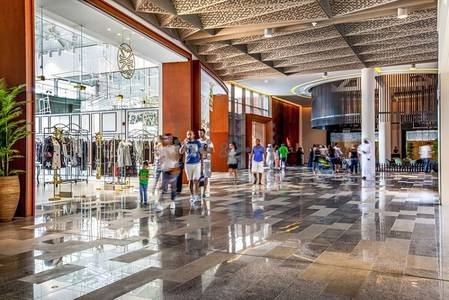 Shop for Rent in Al Wasl, Dubai - Retail space for rent in Galleria Mall