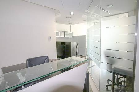 Office for Rent in Jumeirah Lake Towers (JLT), Dubai - Fully Furnished with Pantry   Negotiable